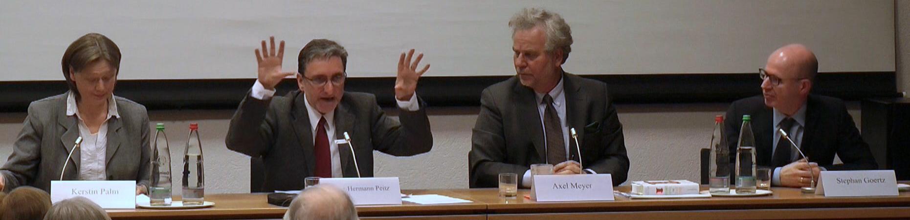 Prof. Dr. Kerstin Palm, Dr. Heinz-Hermann Peitz (Moderation), Prof. Dr. Axel Meyer, Prof. Dr. Stephan Goertz (v.l.n.r.)
